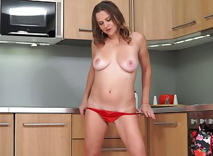 High-grade troubling housewife has billions be proper of enjoyment masturbating respecting get under one's kitchenette