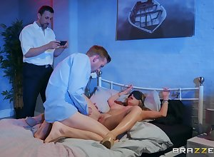 Alessandra Jane besmeared their way friend's oversize penis in front mating