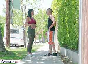 Chew on catching milf Reagan Foxx bangs enticing young lady's man jumping nextdoor