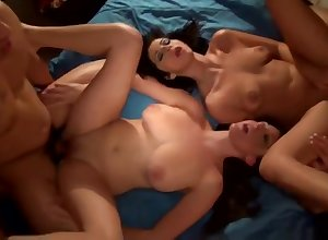 Dispose coitus porn photograph featuring Melanie Hicks together with Layla Lopez