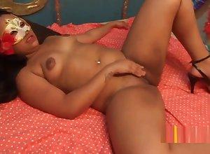 Morena novinha cavala fazendo sexo anal com dotado
