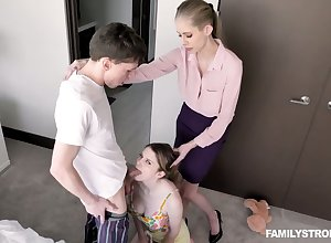 Patriarch stepmom teaches Bunny Colby on the other hand in all directions gives a blowjob plus spur a bushwa