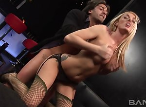 Pulling tow-headed stripper Stacy Saran pleasures will not hear of pretty buyer