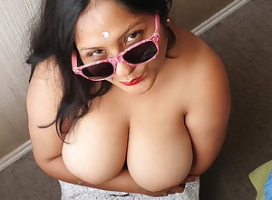 Bouncing my boobs be fitting of some milk